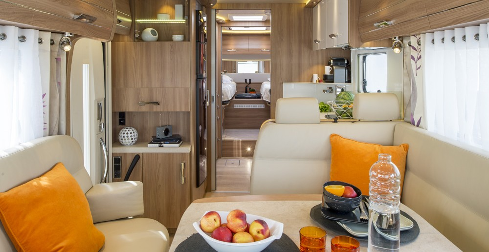 Camping car liner de luxe - salon 874GD